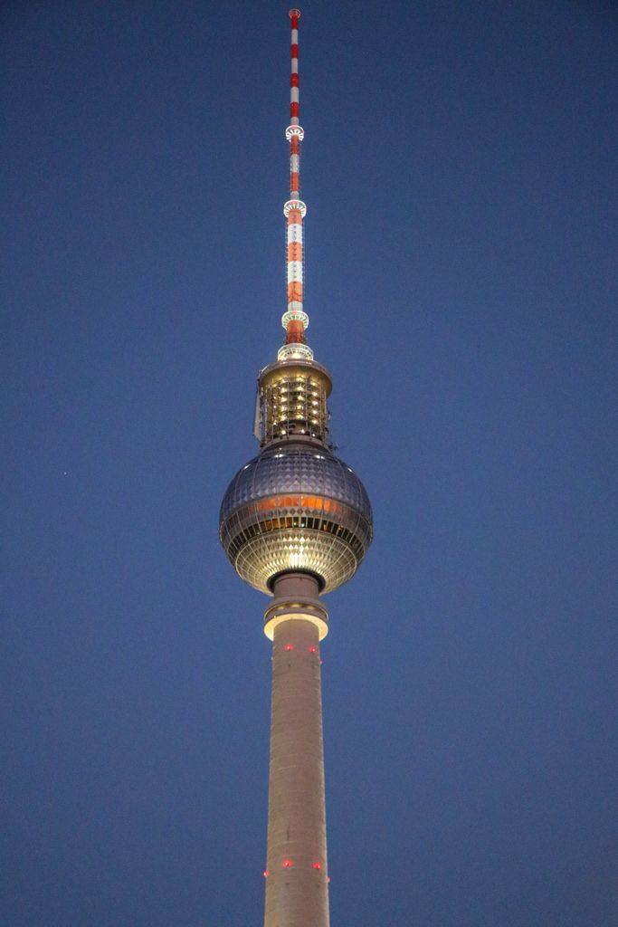 Top of the Berliner Fernsehturm at night