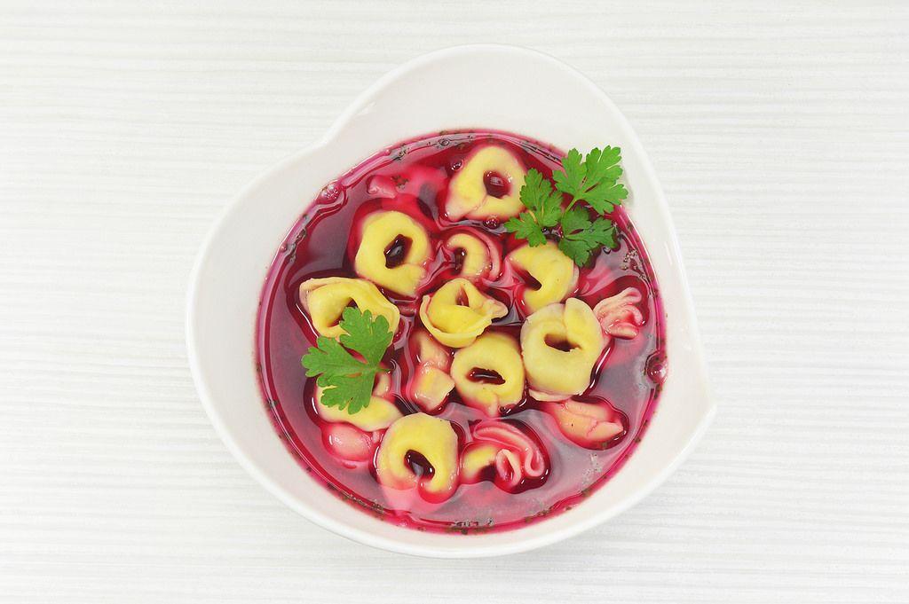 Tortellini with red borscht (Borschtsch)