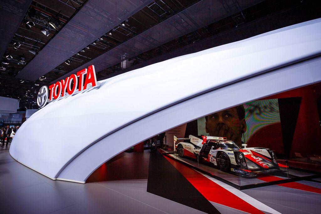 Toyota stellt seinen Rennwagen #8 GR bei der IAA 2017 in Frankfurt am Main vor