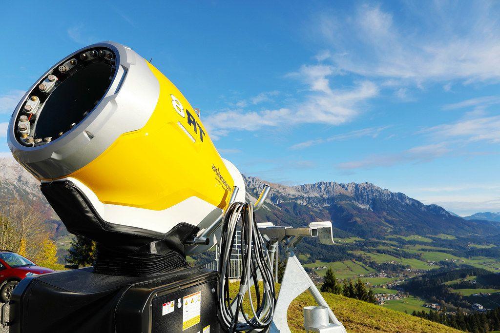 TR8 TechnoAlpin snow gun in Tyrol, Austria (Flip 2019)