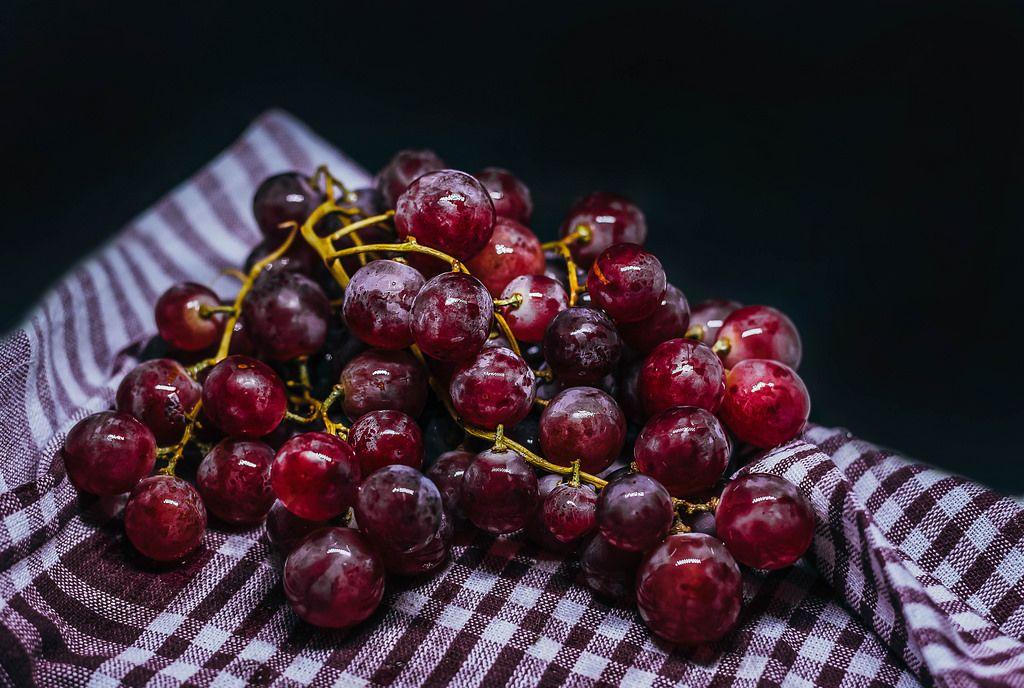 Trauben auf einem Tuch