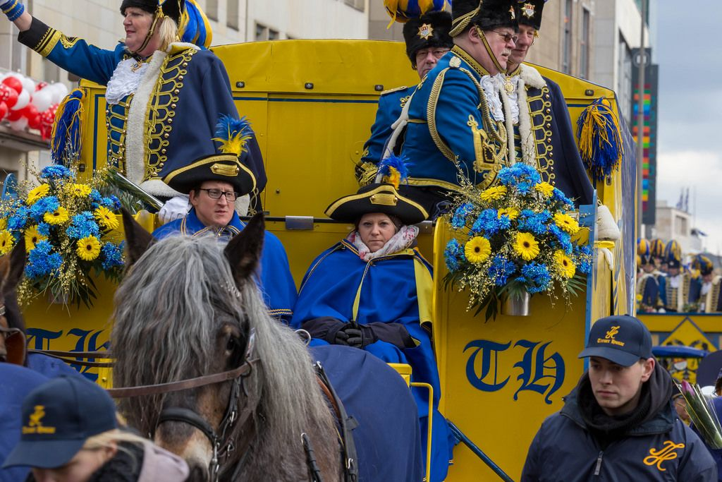 Treue Husaren beim Rosenmontagszug - Kölner Karneval 2018