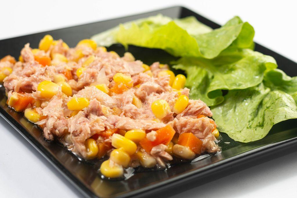 Tuna Fish with Corn and green Salad