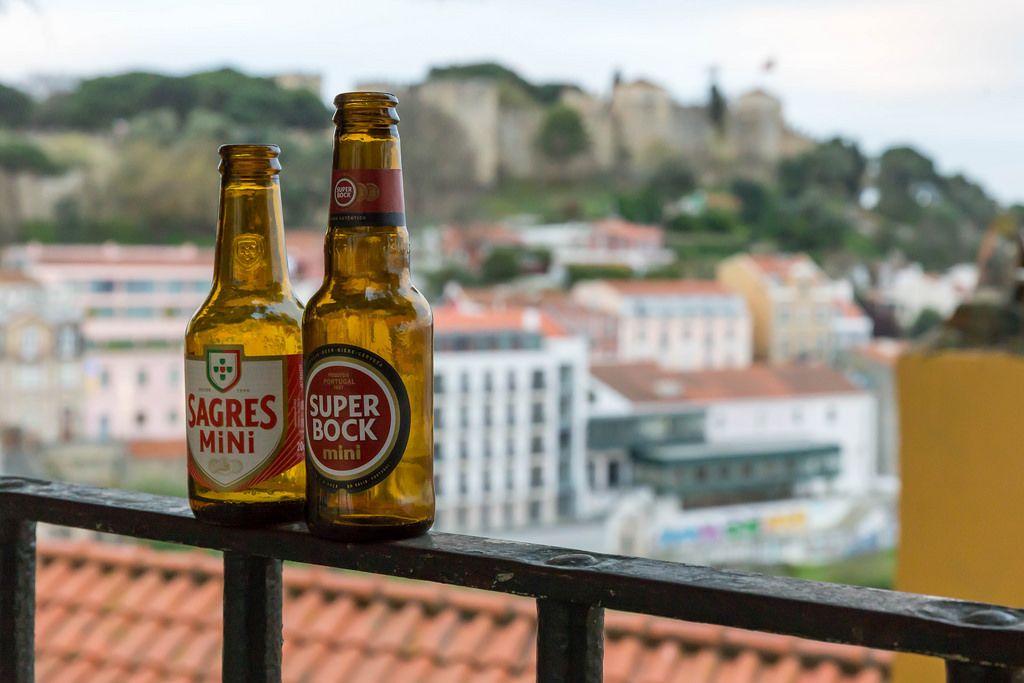 Typische Biersorten Sagres und Super Bock