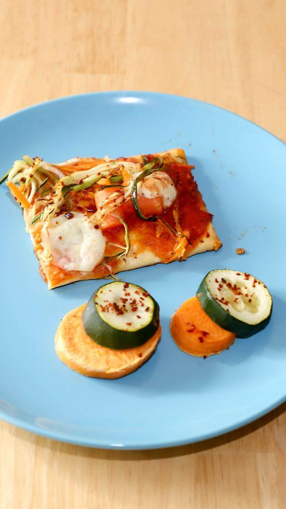 Veggie-Pizza mit Zucchini und Süßkartoffeln