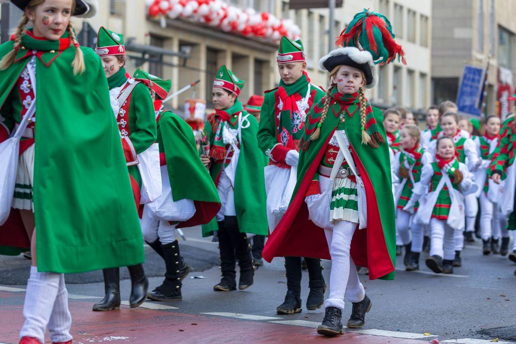 Verkleidete Jungs und Mädchen der Altstädter Köln 1922 - Kölner Karneval 2018
