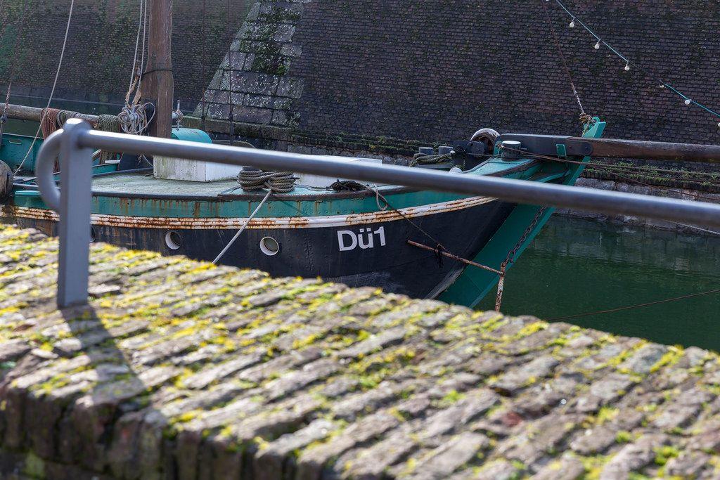 Verrostetes altes Segelboot