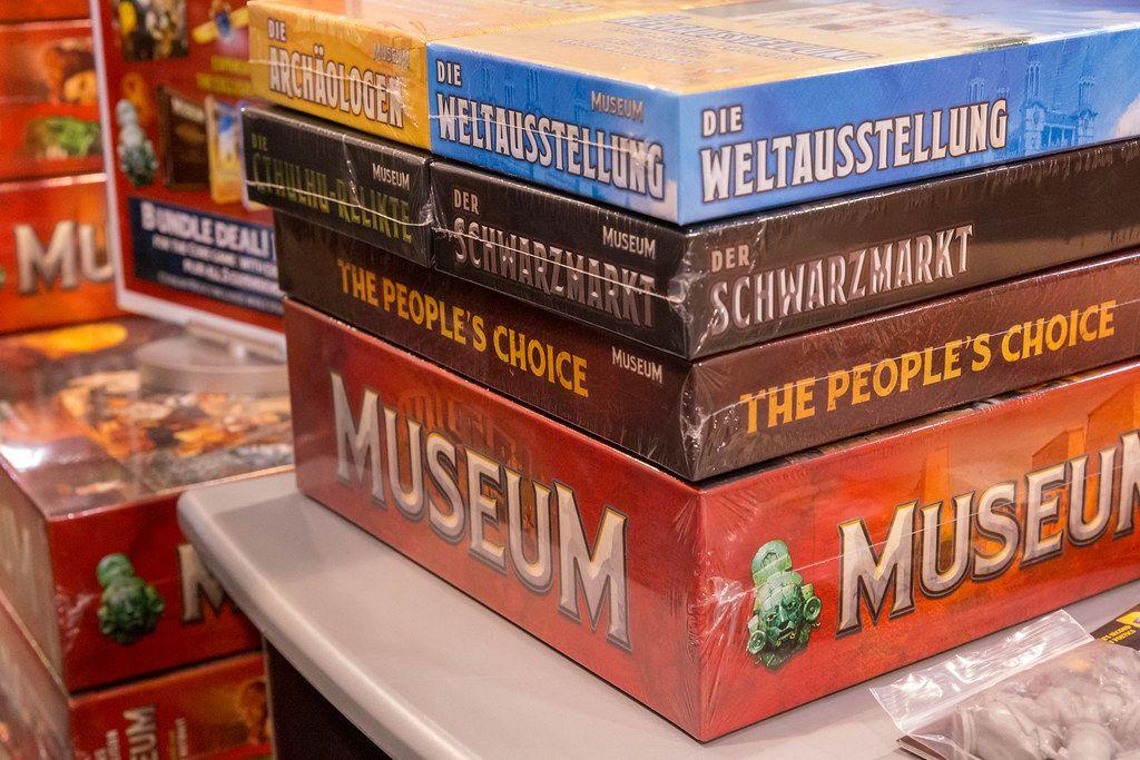 Verschweißte Spiele auf dem Tisch gestapelt: Museum, the Peoples Choice, der Schwarzmarkt und die Weltausstellung