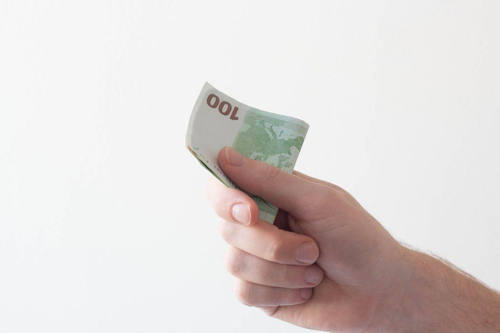 Viel Geld in der Hand