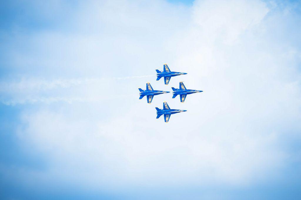 Vier Flieger der U.S. Navy Blue Angels