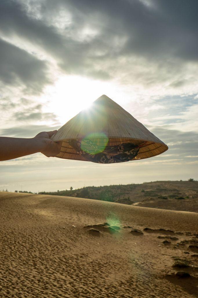Vietnamese Hat in front of the Sunset in the Red Sand Dunes in Mui Ne (Flip 2019) (Flip 2019) Flip 2019
