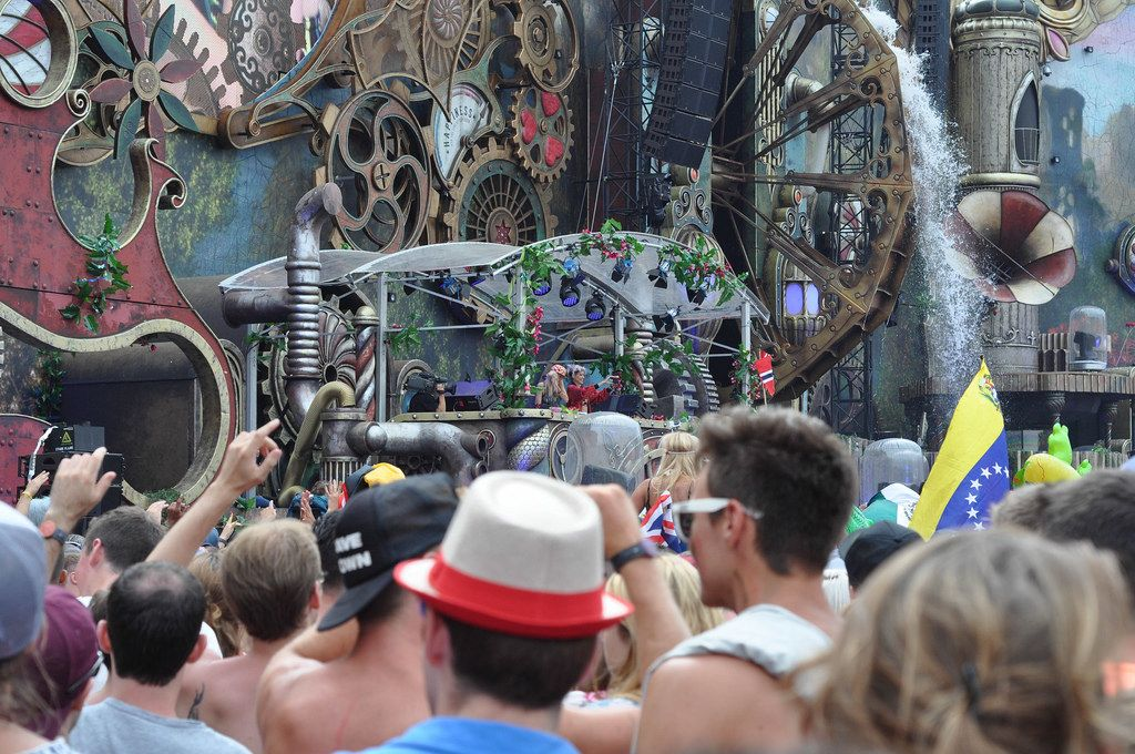 Visitors around the DJ booth - Tomorrowland music festival 2014