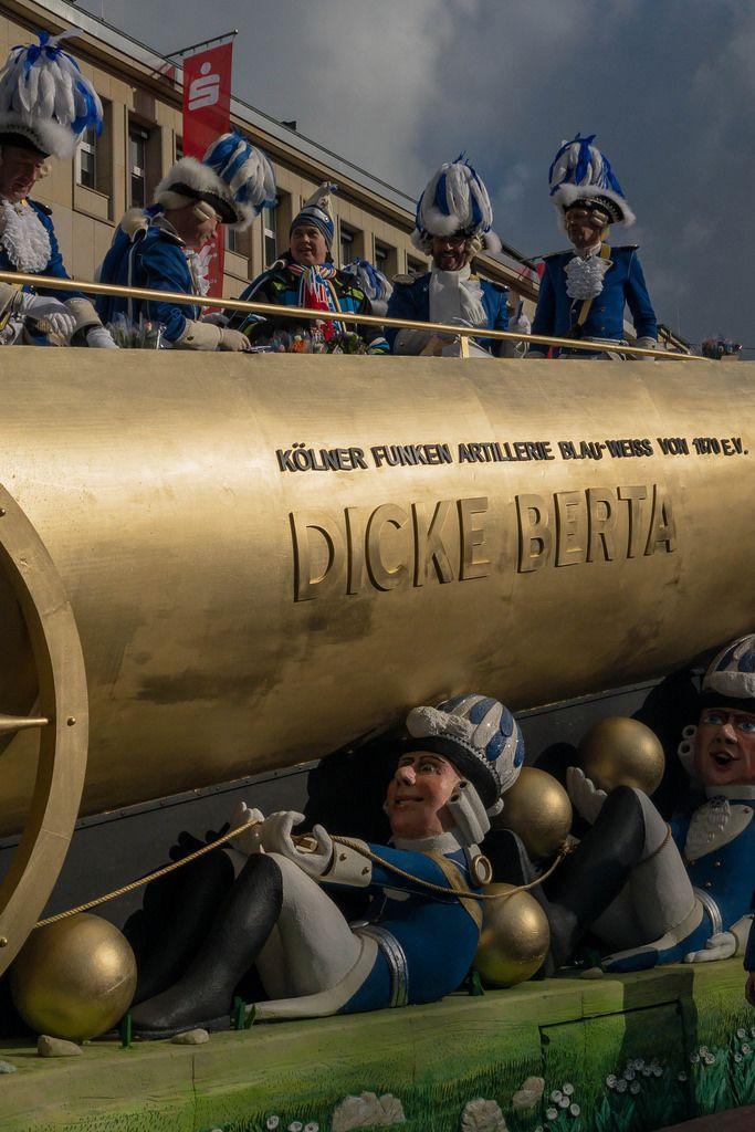 Wagen Dicke Berta des Vereins Kölner Funken Artillerie - Kölner Karneval 2018