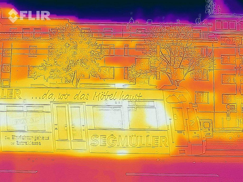 Wärmebild einer Straßenbahn - FLIR Infrarotkamera / iPhone