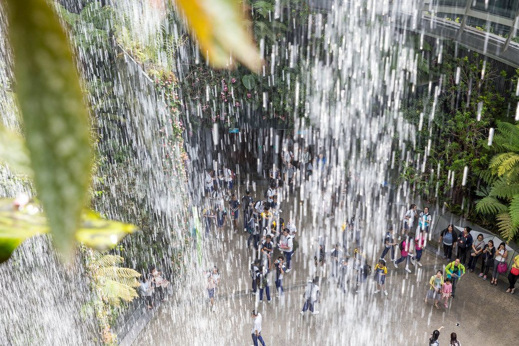 Wasserfall im Cloud Forest, Singapur