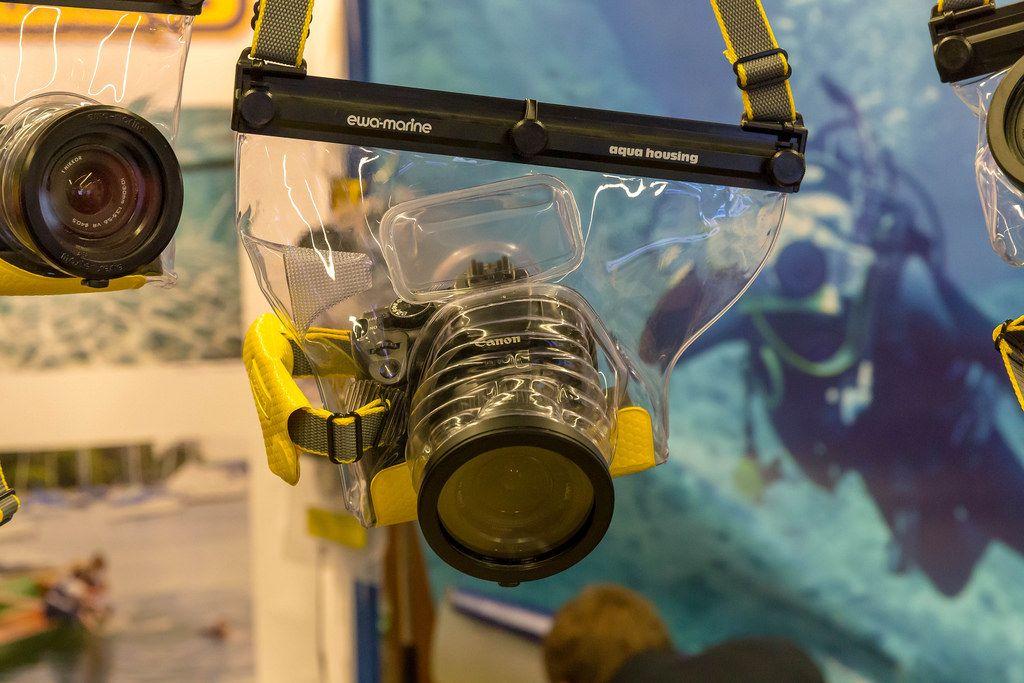 Wasserfestes Unterwassergehäuse von Ewa-Marine an der Photokina in Köln