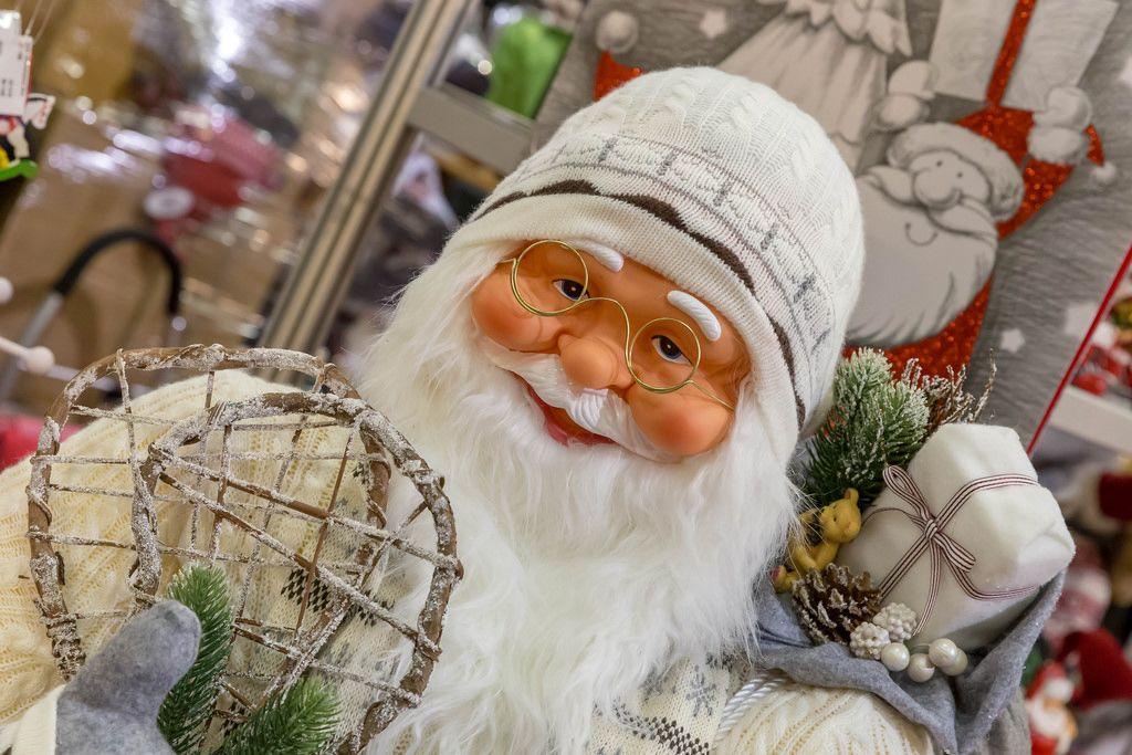 Weihnachtsmann ganz in weiß - IAW Köln 2018