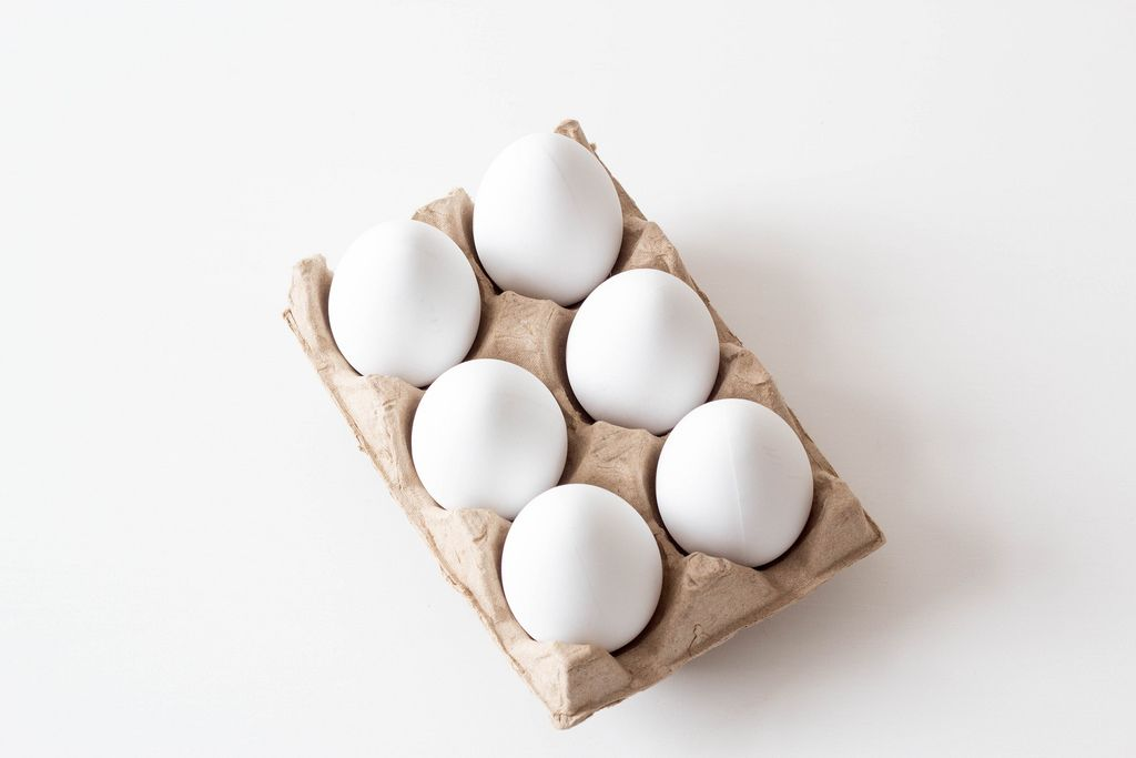 White eggs in case