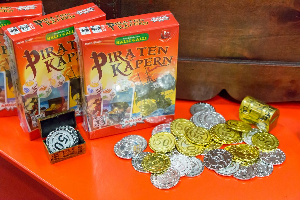 Würfelspiel Piraten Kapern vom Erfinder von Halli Galli