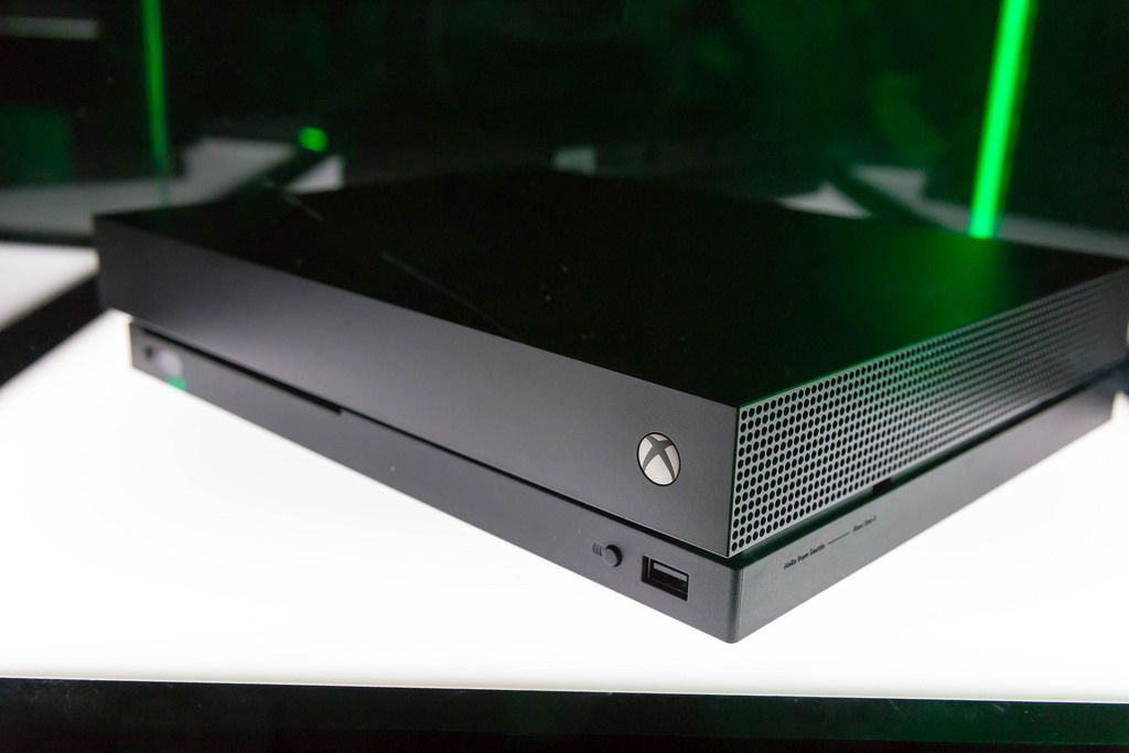Xbox One console - Gamescom 2017, Cologne