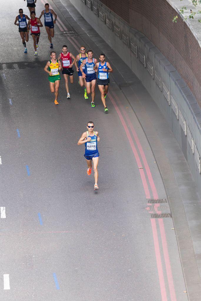 Yuriy Rusyuk und weitere Läufer (Marathon Finale) bei den IAAF Leichtathletik-Weltmeisterschaften 2017 in London