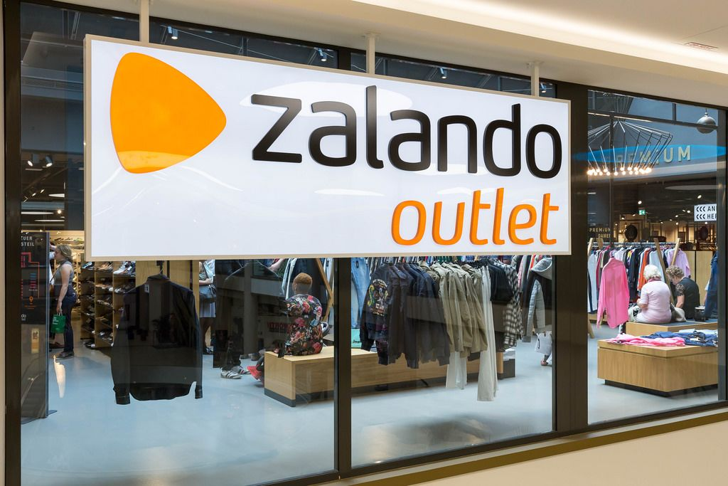 zalando outlet store in k ln bilder und fotos creative commons 2 0. Black Bedroom Furniture Sets. Home Design Ideas
