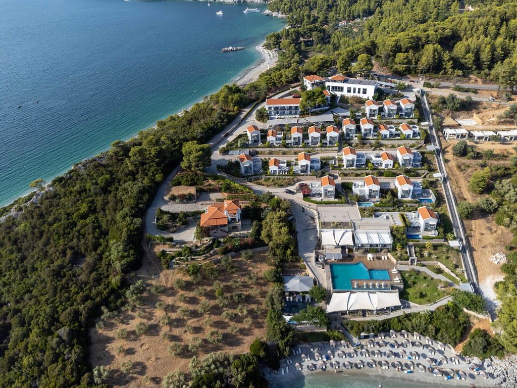 Adrina Resort & Spa: drone photo of 5-star beachfront hotel at Panormos bay, Skopelos
