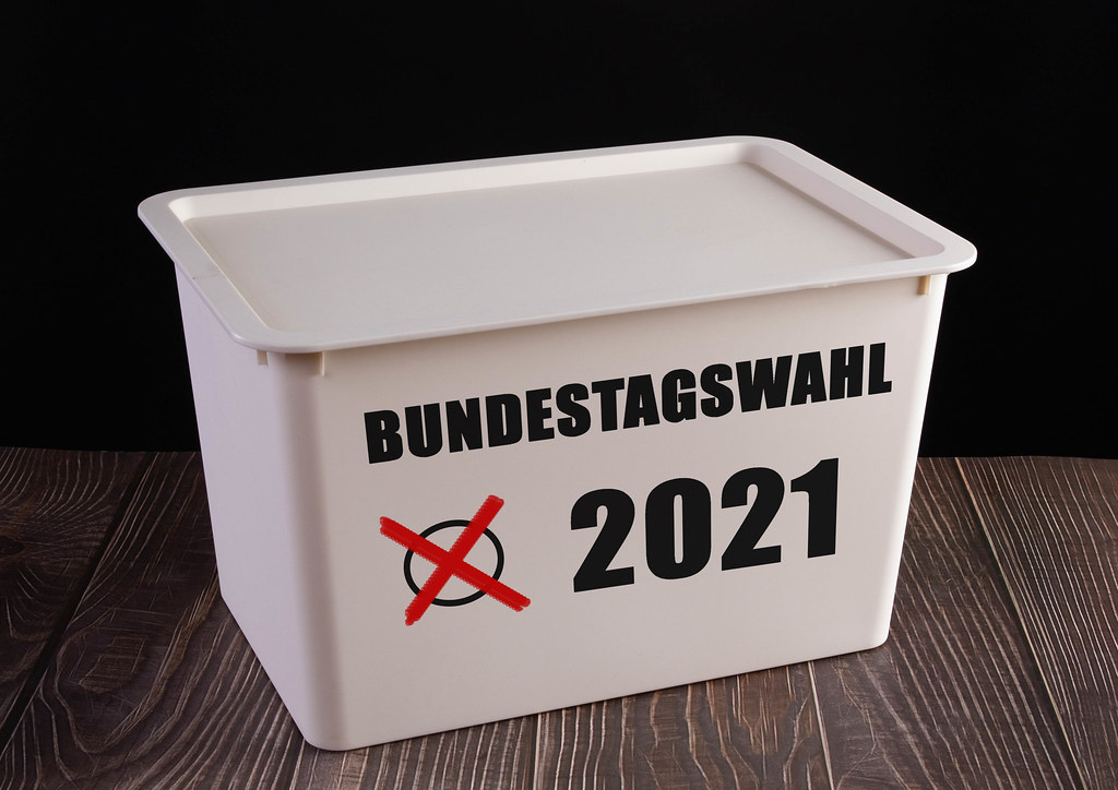 Ballot box with Bundestagswahl 2021 text