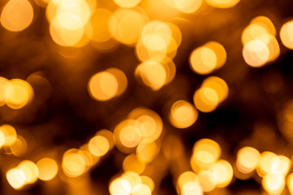 Blurred light of glowing christmas garland