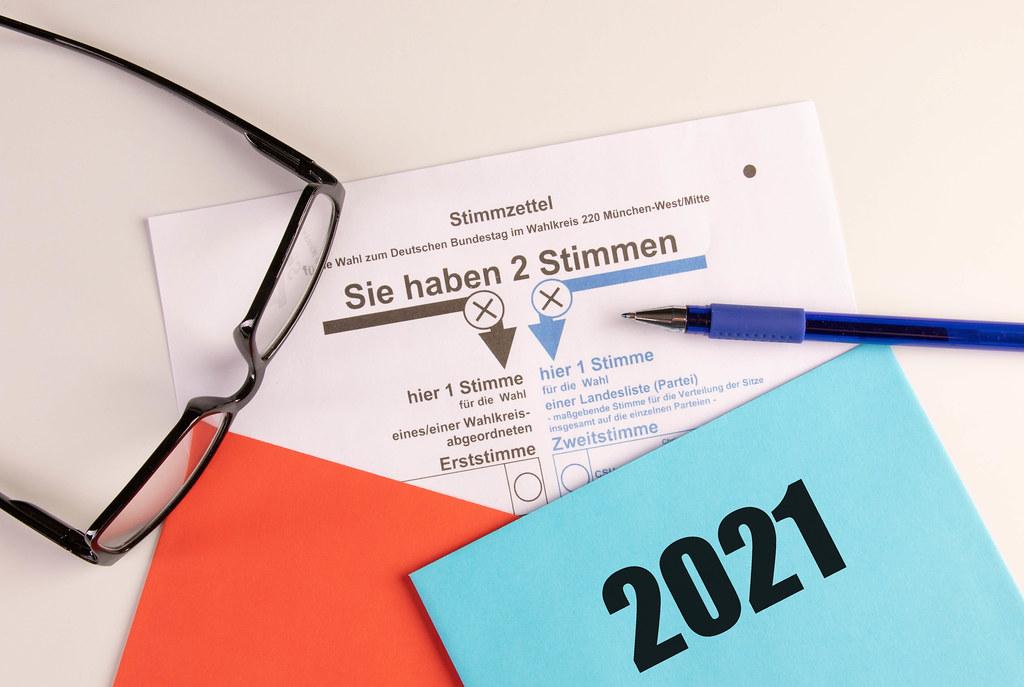 Briefumschlag und Stimmzettel