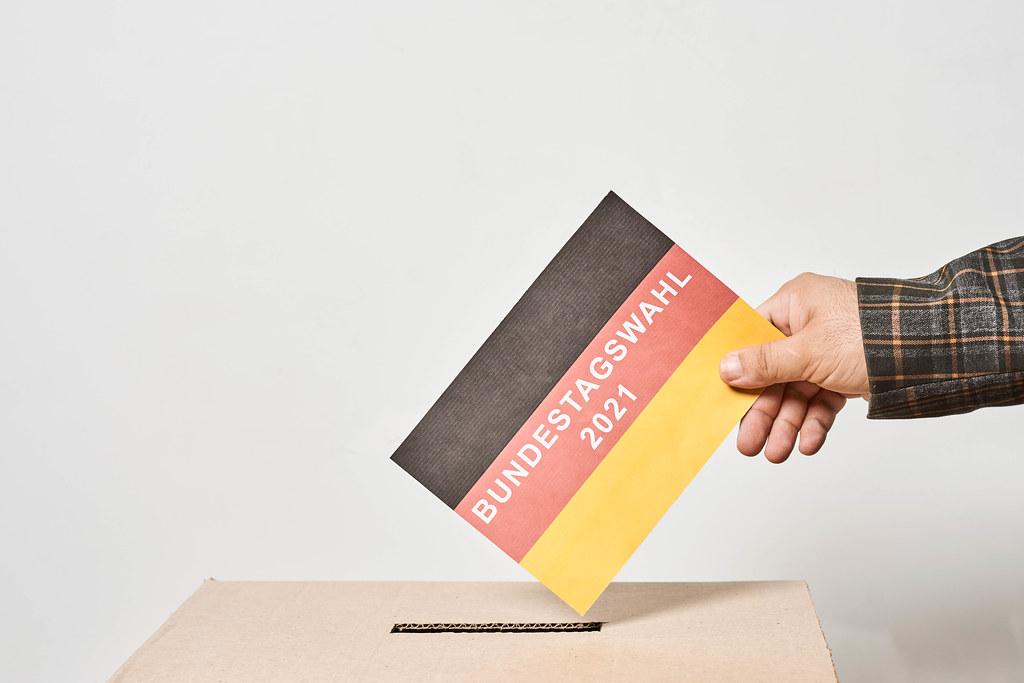 Bundestagswahl 2021 mit Flaggenfarben