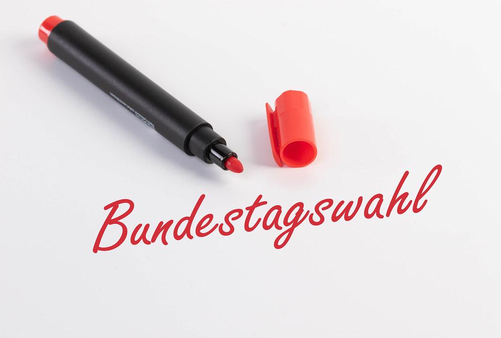 Bundestagswahl text with red marker pen