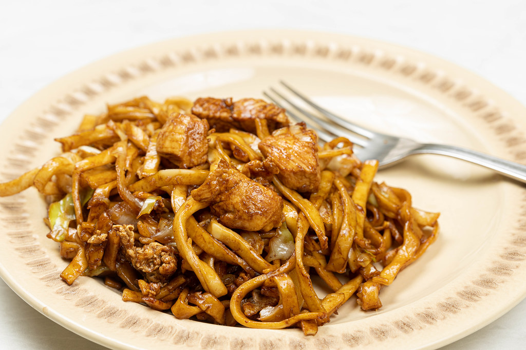 Chinese Food with Spaghetti and Chicken Meat