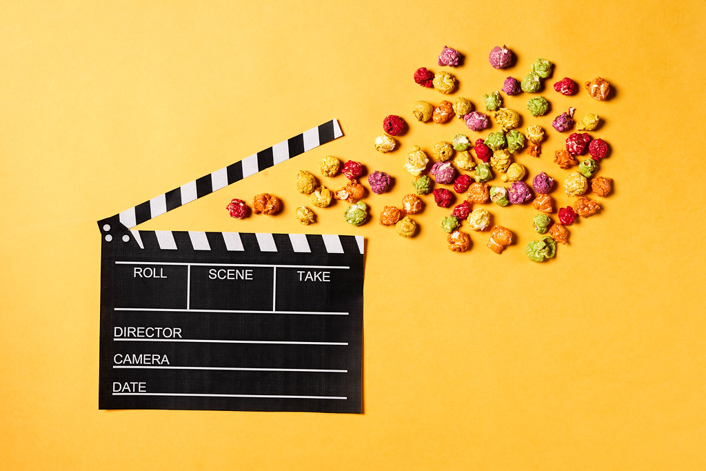 Cinema flapper and popcorns
