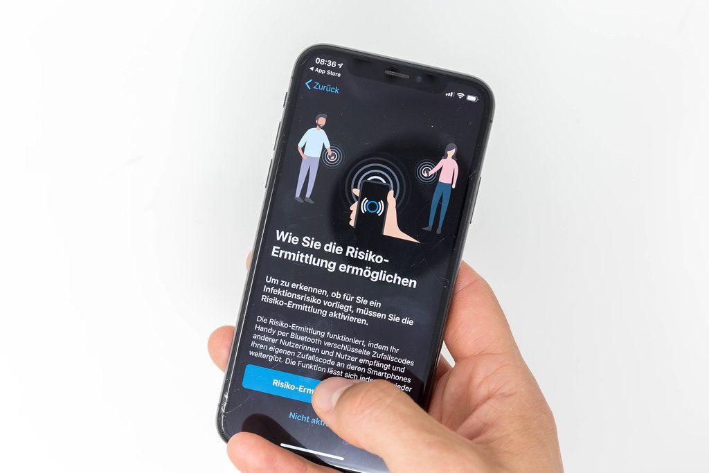 Corona-App und Risiko-Ermittlung: Handy austauscht verschlüsselte Zufallcodes mit anderen Nutzern