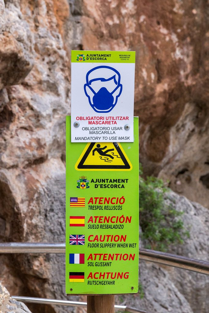 Coronavirus rules on Majorca in summer 2020: using a face mask is mandatory in the Sa Calobra tunnel