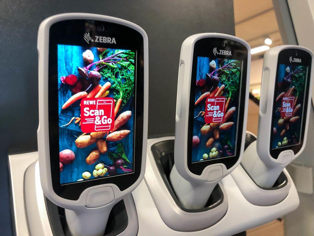 Den Einkauf bei Rewe mit dem Handy scannen: Scan&Go Technologie im deutschen Supermarkt
