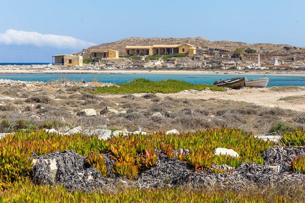 Die fast unbewohnte Insel Delos bei Mykonos: wichtige archäologische Stätte und Weltkulturerbe