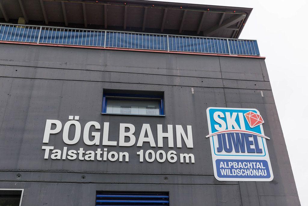 Die Pöglbahn Talstation in Alpbach zum Einstieg in das Großskigebiet Ski Juwel Alpbachtal Wildschönau