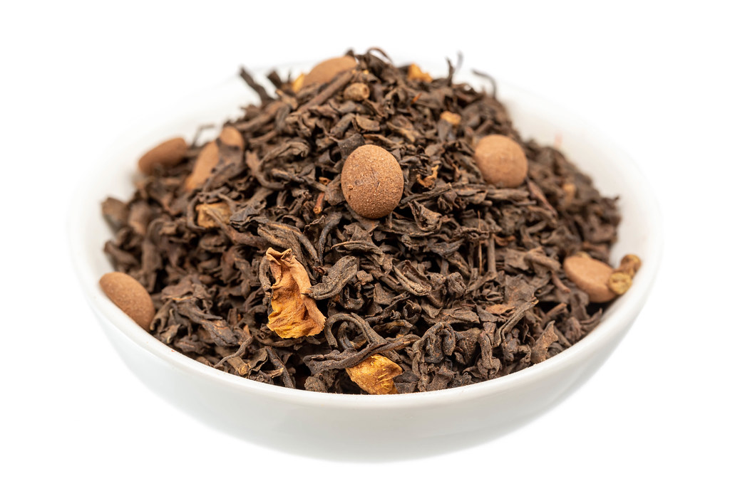 Dry black tea with chocolate