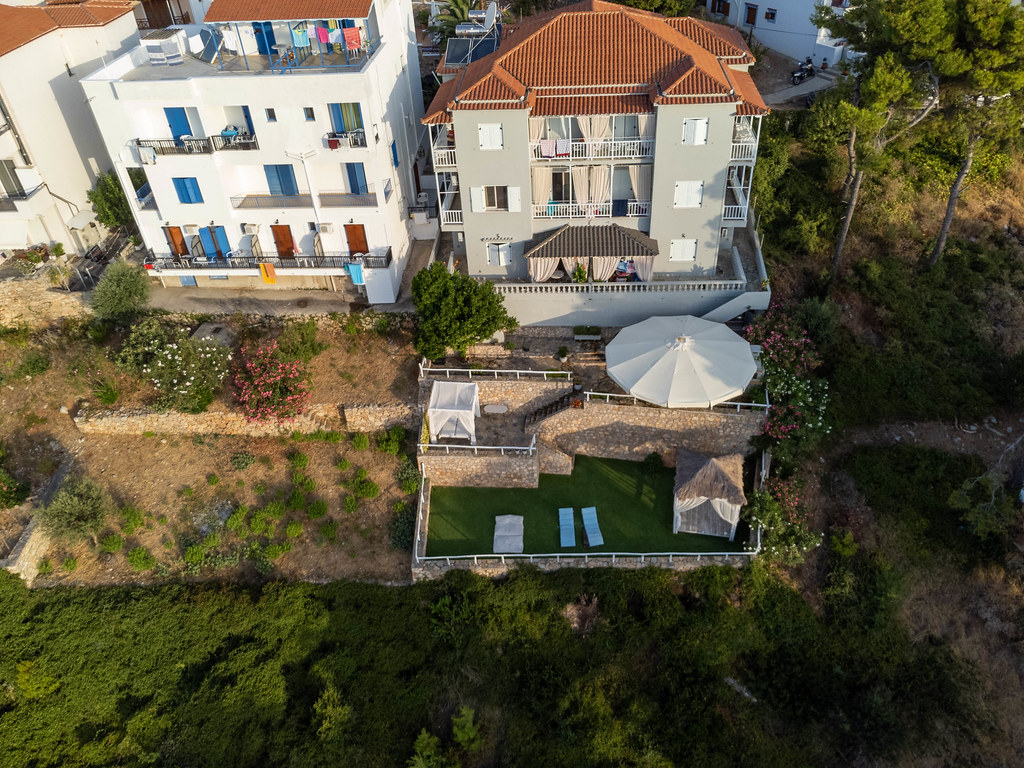 Eco-friendly holiday accommodation on Alonnisos: Ikion Eco Boutique Hotel with sea view