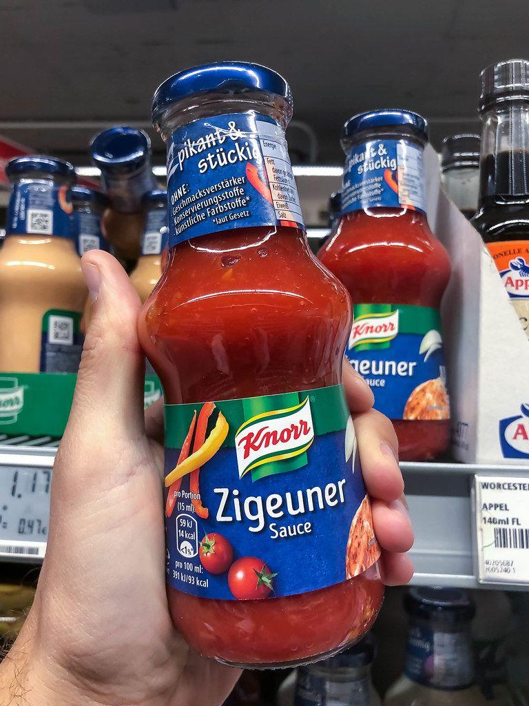 Eine Flasche Knorr Zigeunersauce. Nach Rassismus-Debatte bekommt die Sauce einen neuen Namen