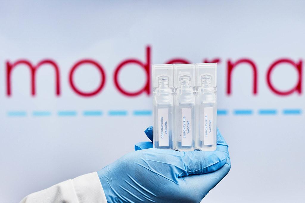 F.D.A. clears Moderna vaccine