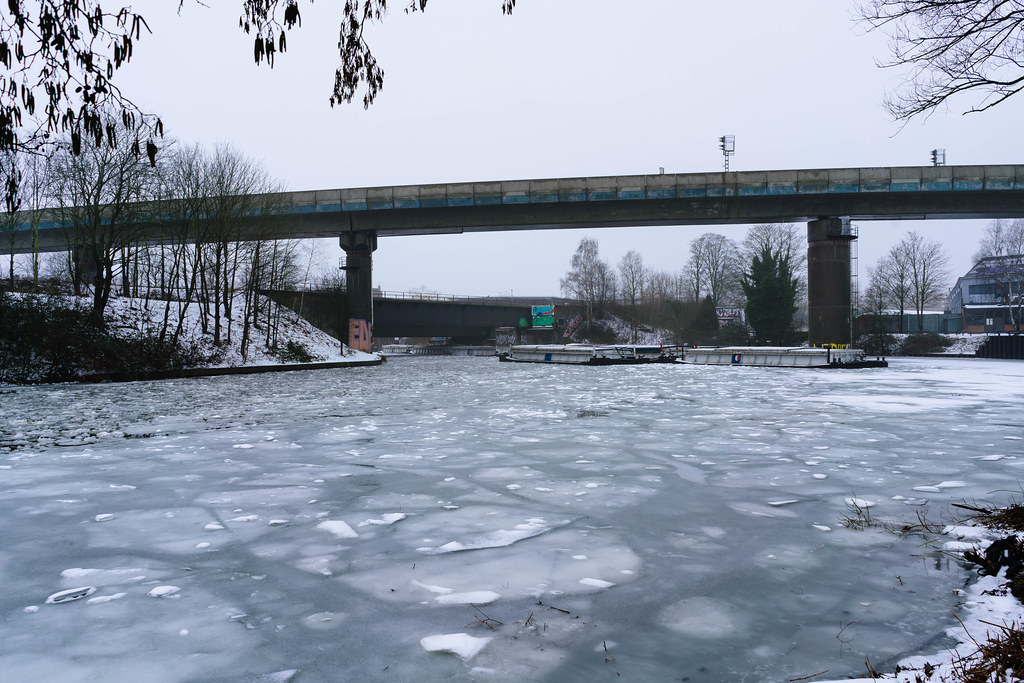 Frozen pocket of Elbe river in Hamburg with ice floes