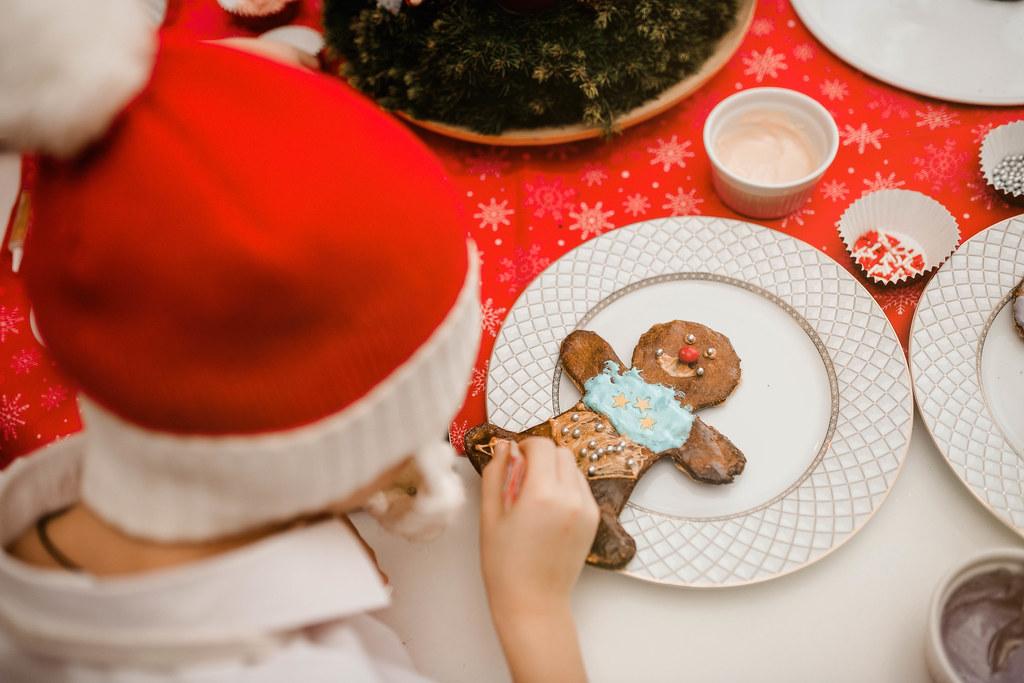 Gingerbread Men Decors With Sugar Balls