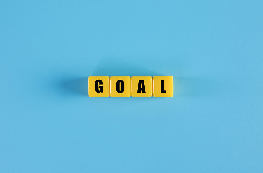 Goal text on yellow cubes