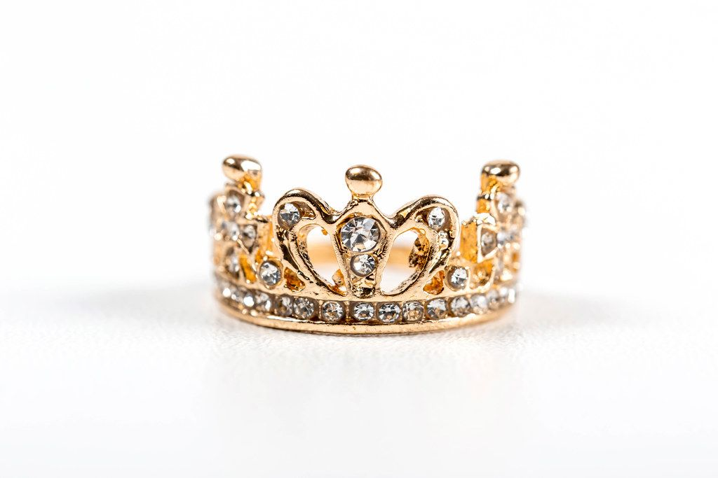 Gold ring in the shape of a crown