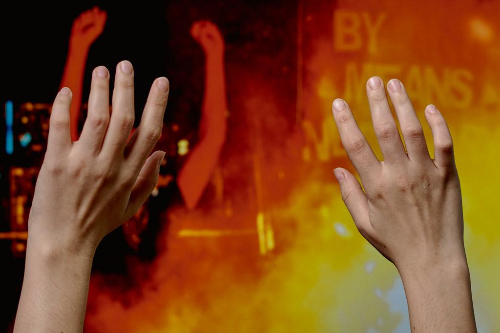 Hände hoch vor dem Bild eines Ansturms: Randale am Kapitol in Washington