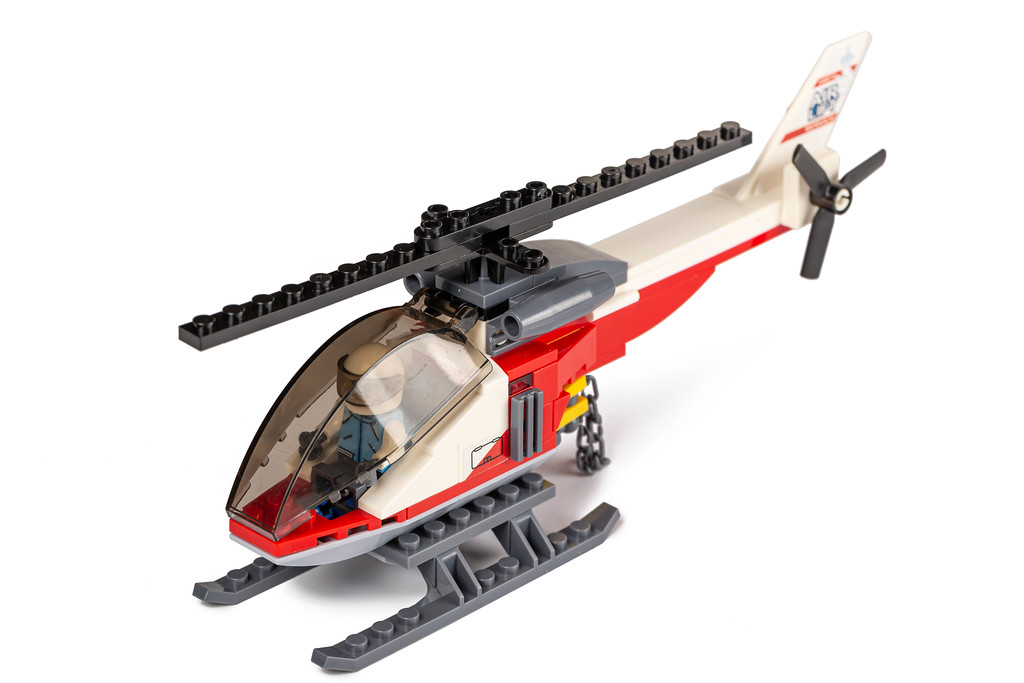 Helicopter from small parts of the constructor