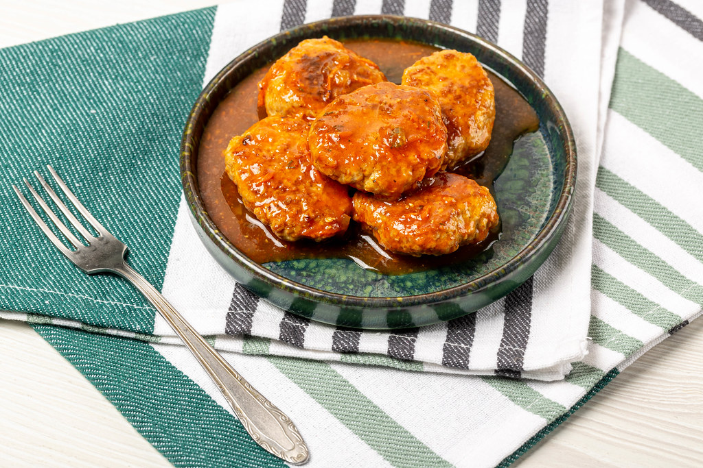 Meat balls with tomato sauce